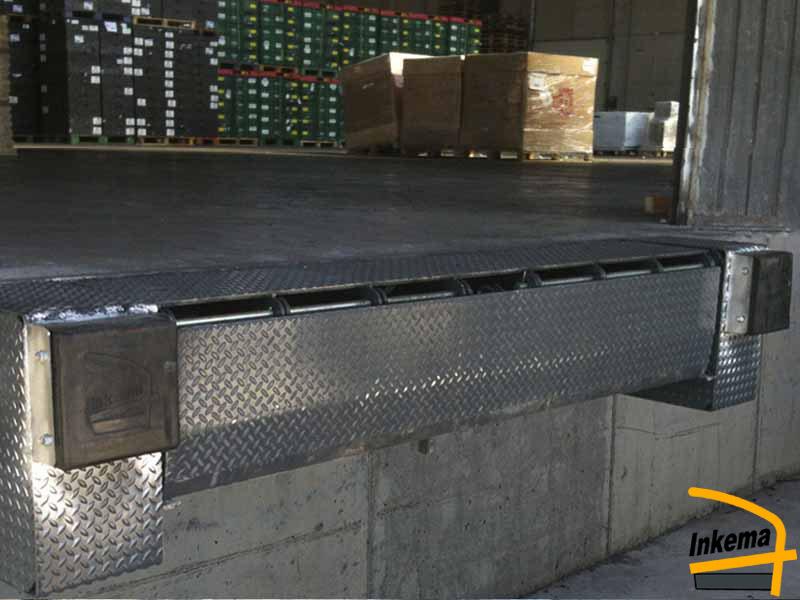 月台調整板<標準型><br>月台調整器卸貨平台