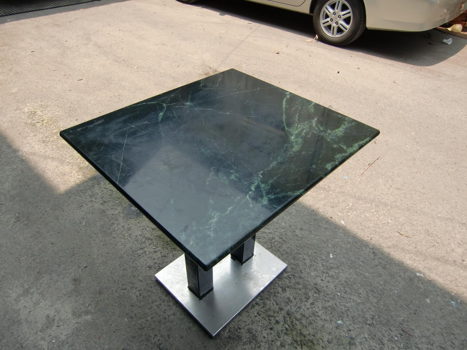 大理石桌面餐桌